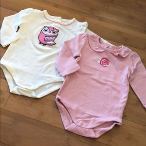 lot of 2 Gymboree embroidered bodysuits 6-12M